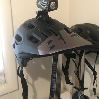 Fits and looks great. This is perfect for this helmet mount.
