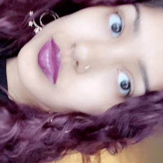 Glossy lip paint