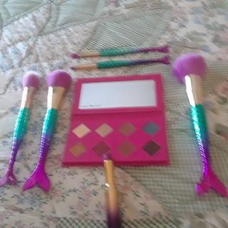 Mermaid Brushes along with Tarte's Sugar Rush Pallete