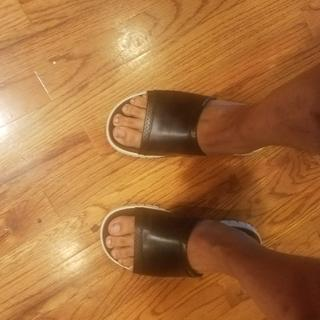 These are some comfortable sandals.