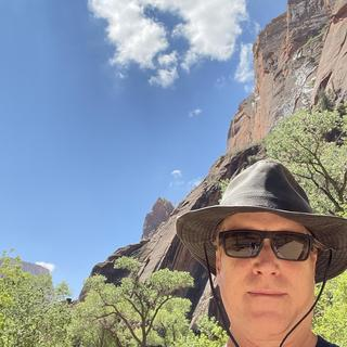 Looked and functioned great in a 100 F day at Zion National Park!