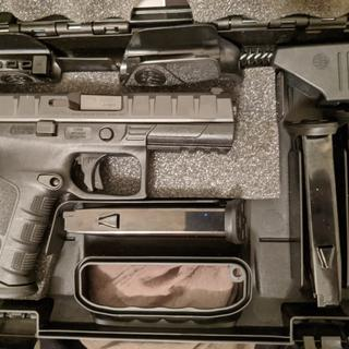 Nice case, room for spare magazines