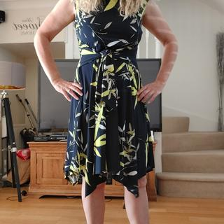 Beautiful dress fits so well. Great style