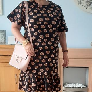 Love this Roman dress, smart casual & right length for me being less than 5foot! size 12 perfect.