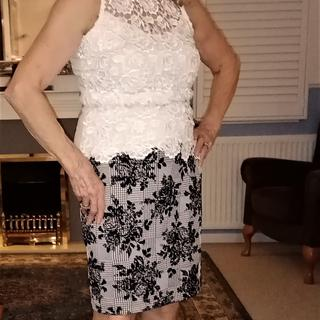 Fits beautifully Love this skirt Material perfect