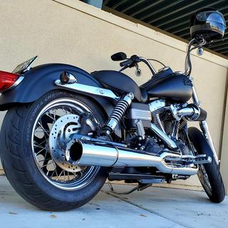 Avon AV91/AV92 Cobra Chrome Tires on my sweet 06 HD FXDBI Dyna Street Bob. She looks & rides great!