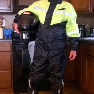 Love the rain suit! All I need for weather, comfort and cool.