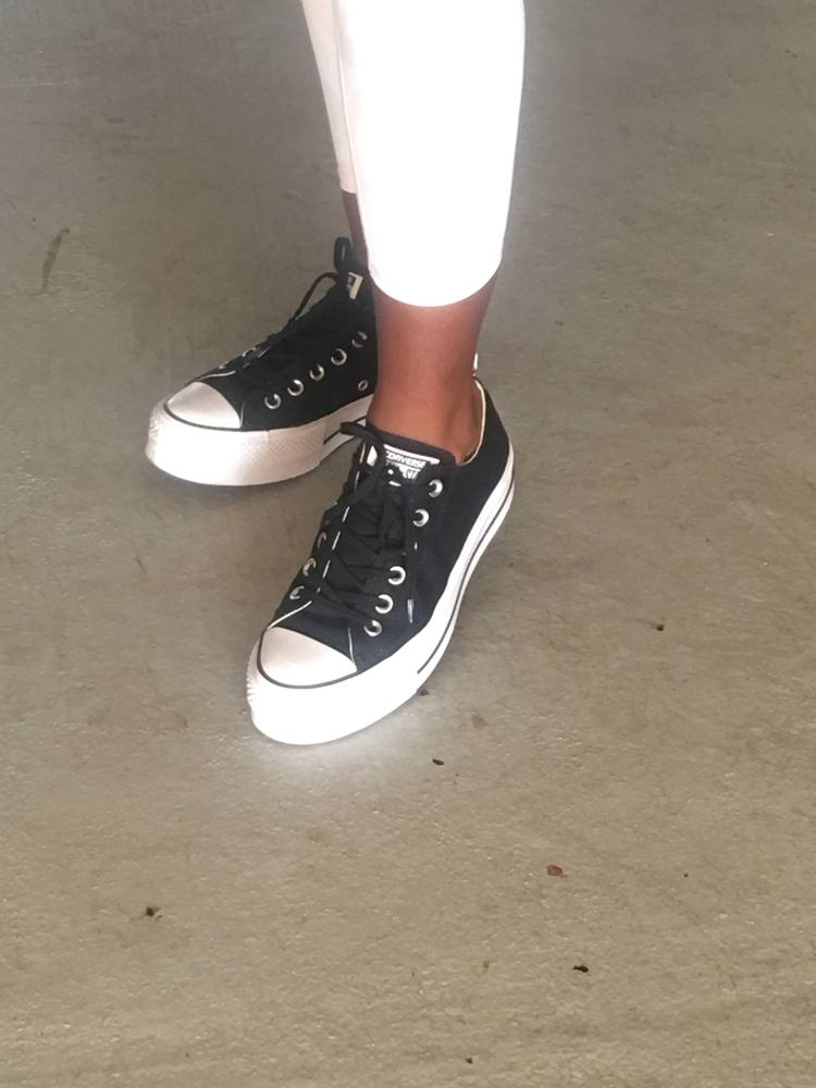 I love the fact that my shoes are so comfortable. Typically when I where platforms or lifted shoes, I feel like they're really heavy, but these feel like they're apart of my body. I also love that they go with everything and give every outfit an extra bit of street style. I also adore how comfortable they are to walk around in. Thank you Converse for gifting me these shoes for the review.