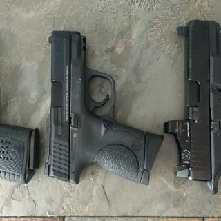 Perfect size!  XDS40 on left, Glock 19 on right.