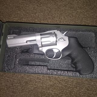 Taurus 627 Tracker 357MAG 4-inch Stainless 7rd