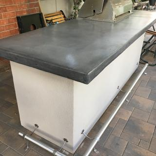 The bar rail kit went together very nicely and fit in great with our SS BBQ and concrete counter.