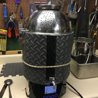 10L Braumeister with DIY jacket and colander top!