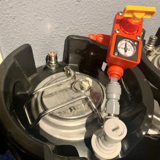 Testing keg pressure