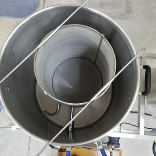 Hop basket in boil kettle