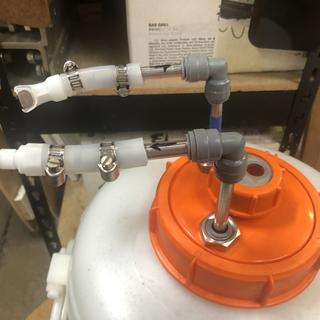 Showing quick disconnect fittings.
