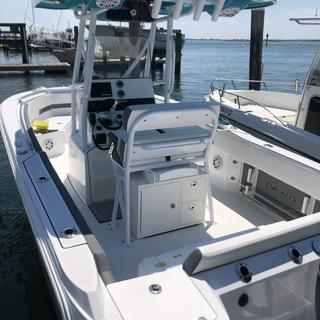 Leaning post Tackle unit on a new 212 Blackfin