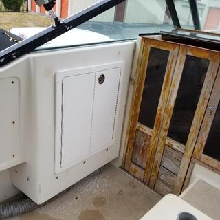 Port Double Locker Doors