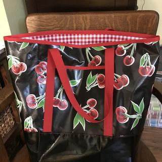 Love making these bags out of oil cloth. They make great gifts!
