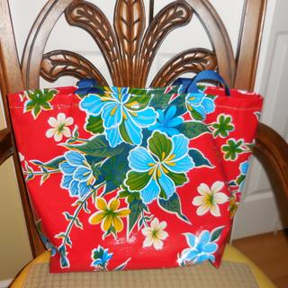 "this is a similar tote to the one ythat I made with  Aqua Stella about 20"" wide by 17"" high and 6"""