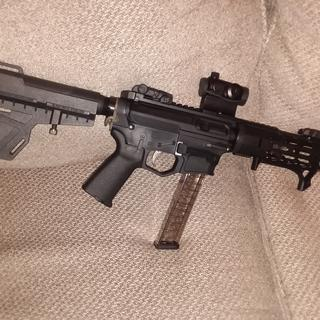 AR9 set up for a silencer, but thats still in the safe.