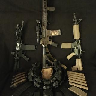 8.5 & 10.5 Shockwave Pistols, 16 DDM4V11, Chest Rig, 1st Aid&Survival Kits along w/30 Assorted Mags.