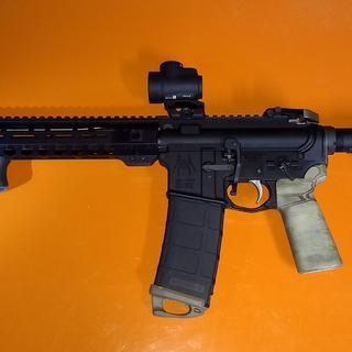 Added Olight Valkyrie, UTG slim front sight, MRO with Scalarworks mount and MBUS pro rear sights.