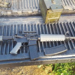 """Anderson lower with the spa 16"""" kit and a carry handle rear site"""