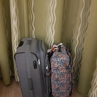 Shown in picture youri spin and medium size kipling luggage