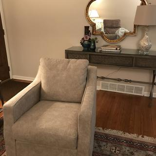 Comfy chair,all guests love it!