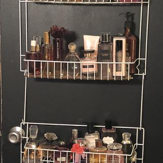 Instead of spices I used my rack for my perfumes.