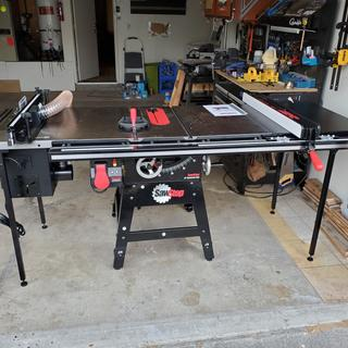 Cast iron wings, T-glide 36 inch ext. table, cast iron router table w/lift, dust collection.