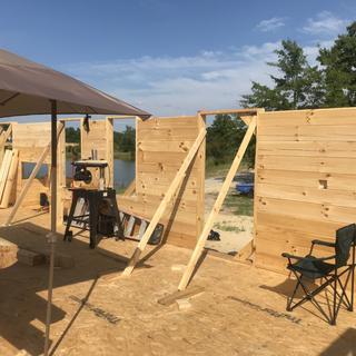 Log house builder