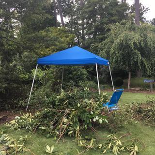 10 ft  x 10 ft  Slant Leg Pop-Up Canopy
