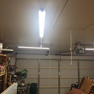 4 Ft  LED Hanging Shop Light