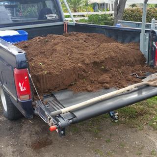 2000 lb  Capacity Truck Bed Cargo Unloader
