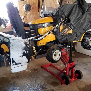750 Lbs  Heavy Duty ATV/Mower High Lift Jack