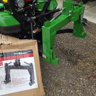 3-Point Quick Hitch - 27-3/16 In  Clearance