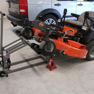 300 Lbs  ATV/Lawn Mower Lift