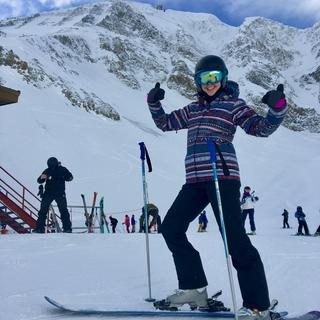 Big Sky, Montana... Lovin my Roxy snow pants as I tear down the slopes!