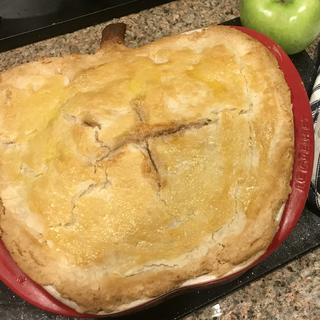 First time baking my apple pie and it looked good on this dish! LOL!
