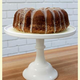 Love this cake stand. Simple, beautiful and sturdy.