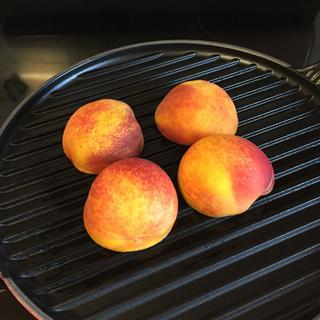 Grilling fresh peaches