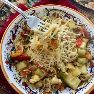 Pasta with Zucchini and Grape Tomatoes