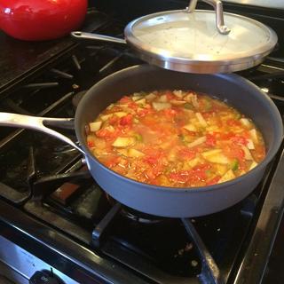 Sopa de papas!! This pan make that soup very easy.