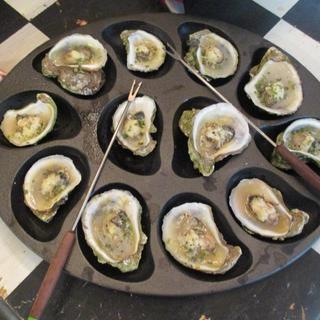 oysters... Bought 3 of these oyster grills and buying more... I want a set of 12...so nice....
