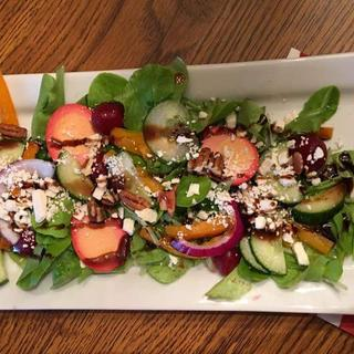 Salad with balsamic ..platters made food look very appetizing!
