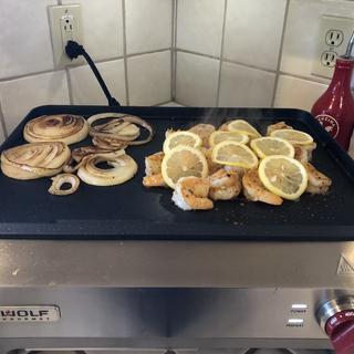 Prawns and carmelized onion slices