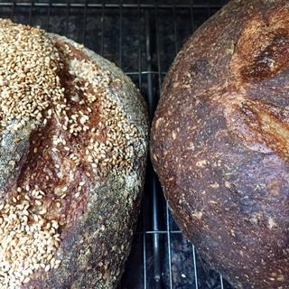 Country and sesame bread