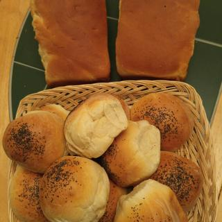 Amish Country Loaves andArtisan Hamburger Rolls...all made with Bob's Red Mill Artisan Bread Flour.