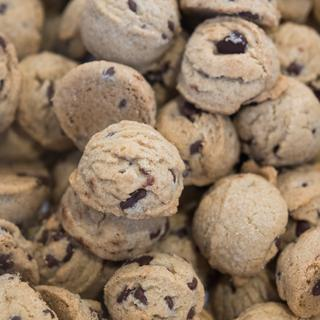 Chocolate Chip Cookies with flaxseed, sorghum, oat flour, potato starch